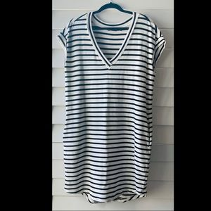 Athleta V Neck knit striped dress L large